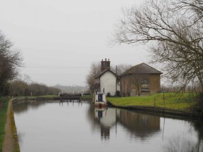 The-Grand-Union-Canal,-Marsworth