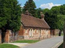 Alms-Houses,-Mapledurham