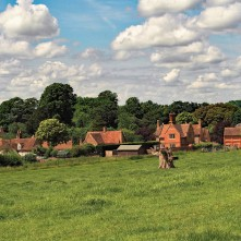 Mapledurham-village