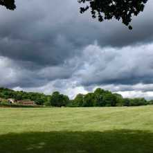 Rain-cluods-over-Ashley-Hill,-Berkshire