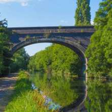 The Chiltern Line railway bridge, Denham, Grand Union Canal