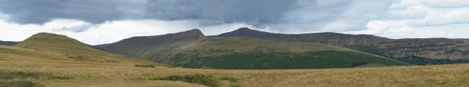 Clouds gather over Pen-y-fan, Cribyn & Fan-y-Big