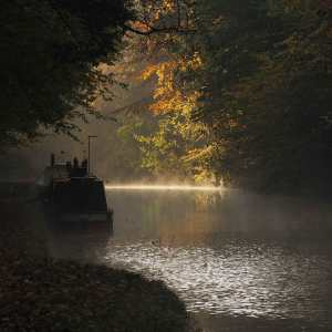 Autumn morning on the Grand Union Canal